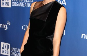 charlize-theron-givenchy-dress2